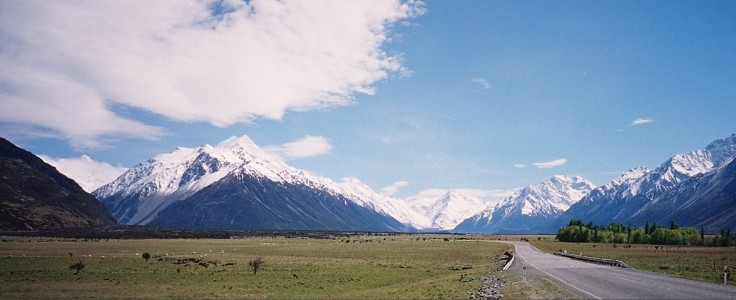 The road to Mt. Cook (click to enlarge)