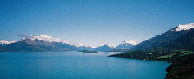 On the road from Queenstown to Glenorchy (click to enlarge)