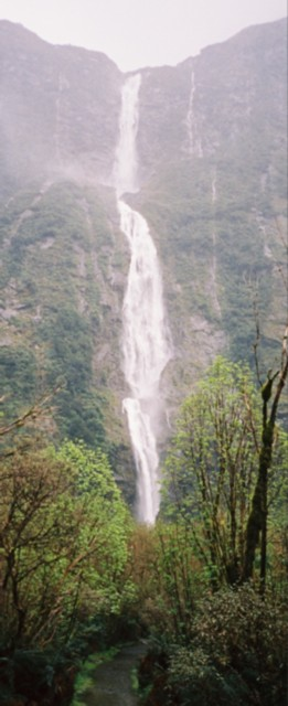 Sutherland Falls itself
